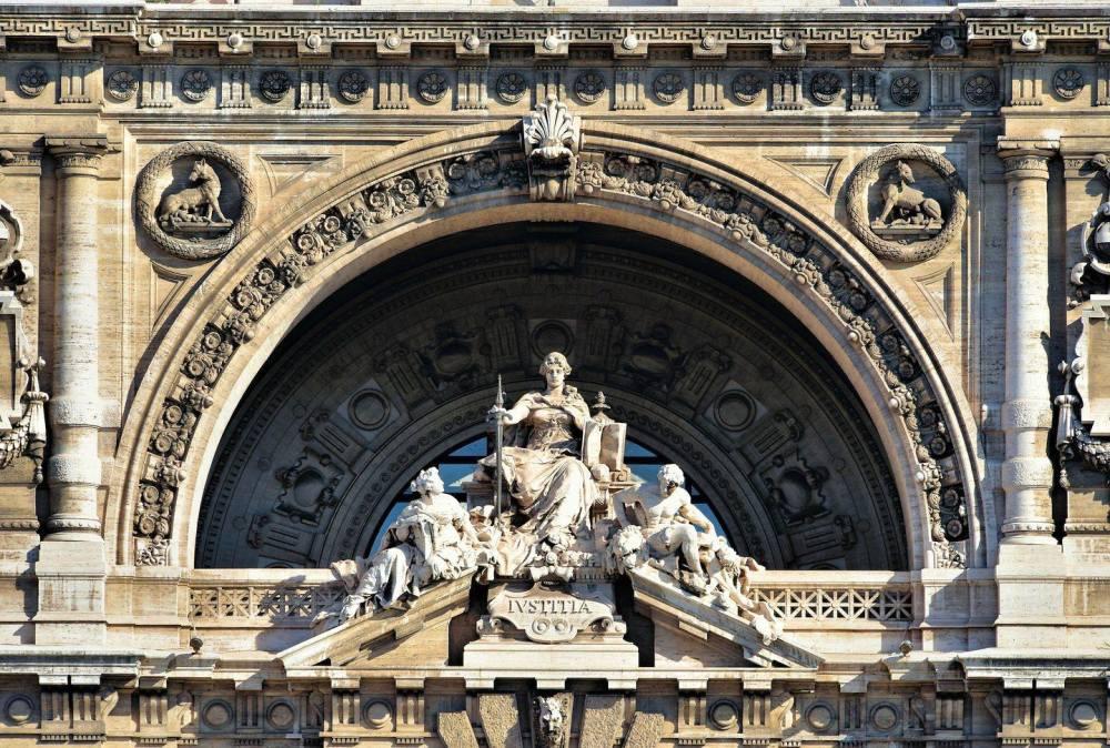 Pałac Sprawiedliwości w Rzymie.jpg