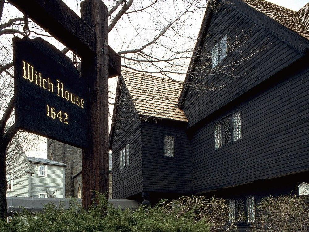 1280px-Salem_Witch_House_II.jpg