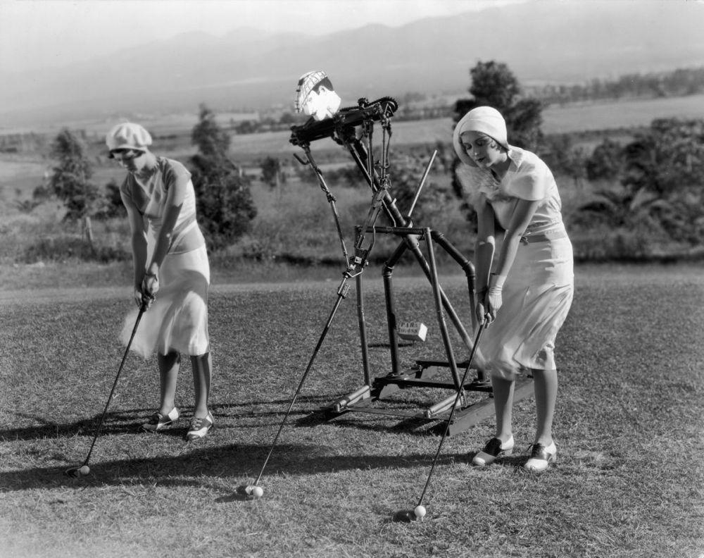 1925. Робот, тренирующий игроков в гольф.jpg